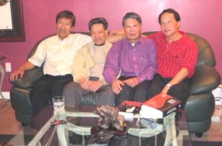 Từ trái qua: Từ Công Phụng, Luân Hoán, Song Thao, Lê Hân. (Hình LuanHoan)